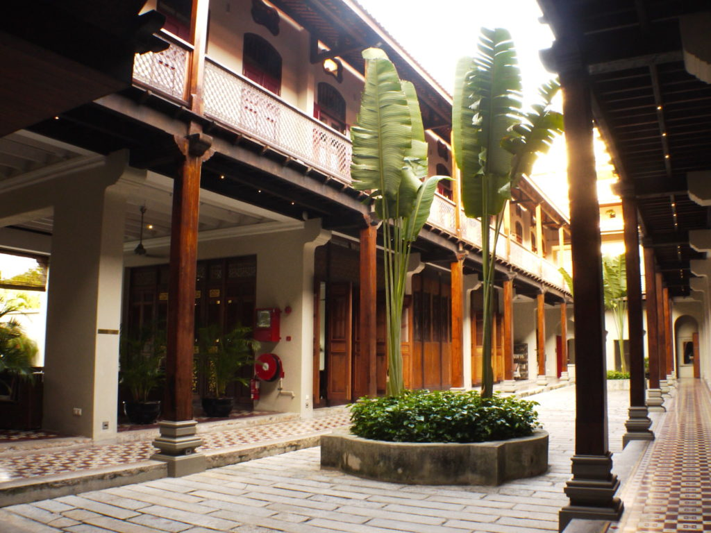 7 Terraces Inner Courtyard- Kebaya House - Food For Thought
