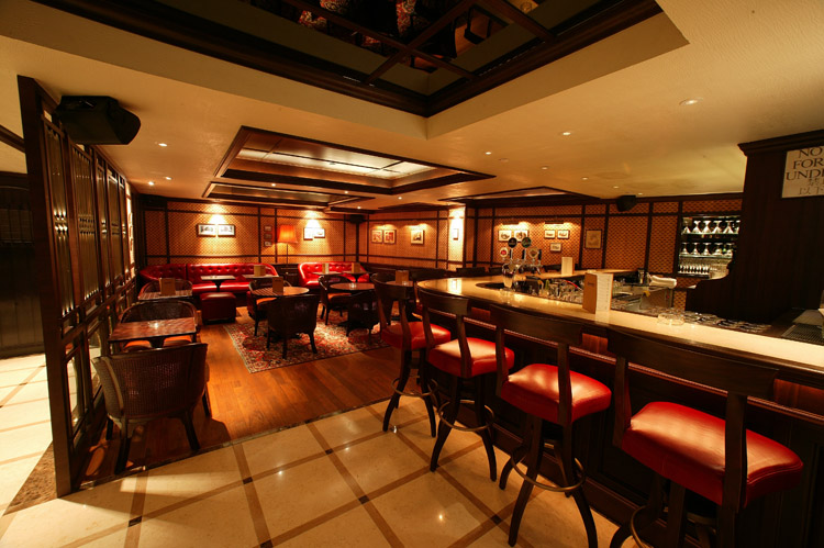 Bar | Jimmy's Kitchen | Hong Kong | Food For Thought