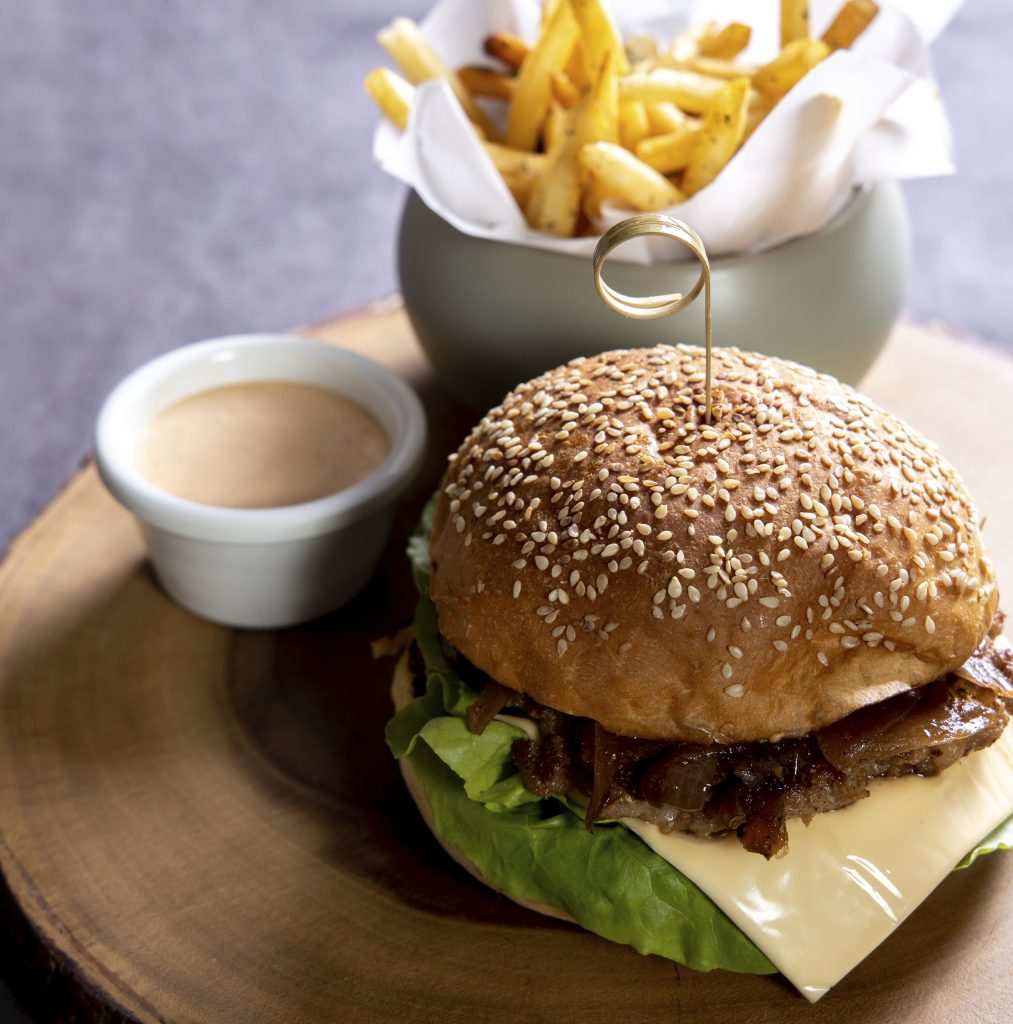 Hamburger | Bouchon Enfin | Food For Thought