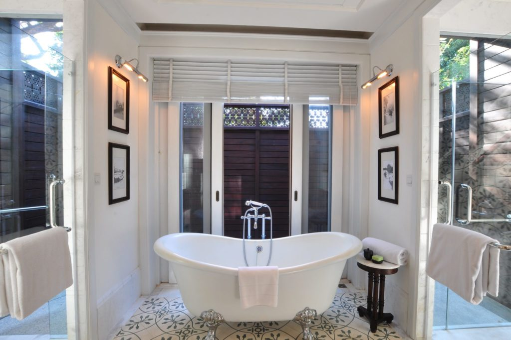 Victorian Bath | East Borneo Suite | 137 Pillars House | Food For Thought
