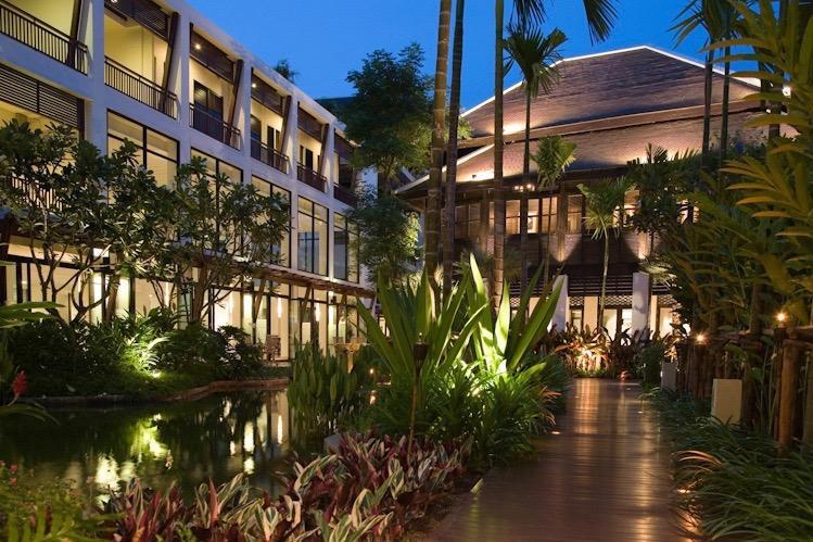 Walkway | RarinJinda Wellness Spa Resort